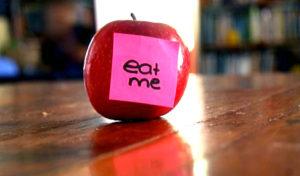 eat-me-apple